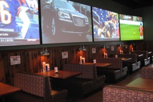 Flo's Pizzeria sports bar photos (4)