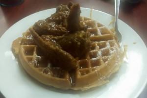 emma-lynss-chicken-waffles-food-photo1